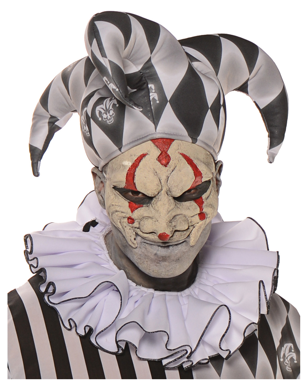 62a5eef567e Harlequin half mask as scary clown accessory