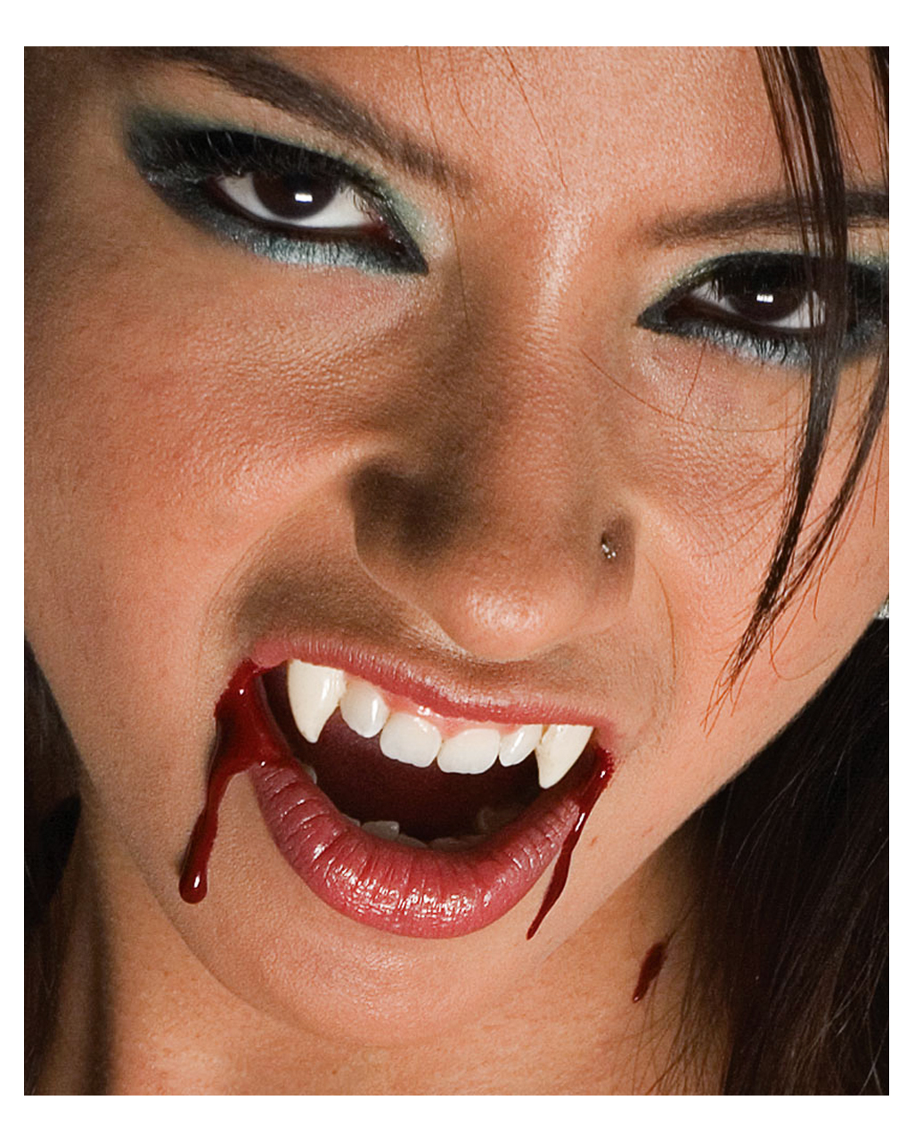 Sexy bites teeth