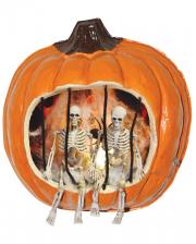 Halloween Kürbis mit gefangenem Skelett