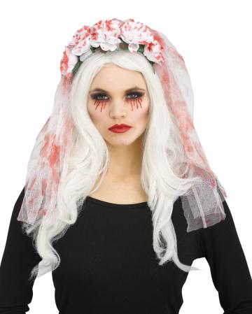 Blutiger Brautschleier mit Rosen