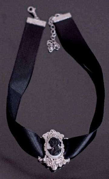 Cameo Collar Black